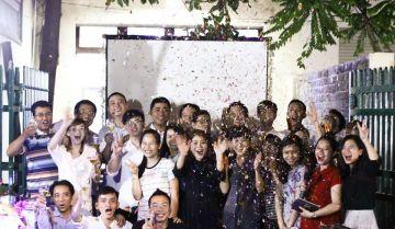 """Có một Year end party 2016 """"chất như nước cất"""" tại Viet Solution"""